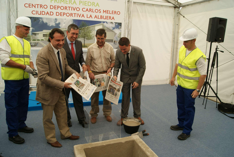 imagenes_2012-05-24_Primera_piedra_2a_fase_centro_deportivo_Carlos_Melero_(2)_17fa370e