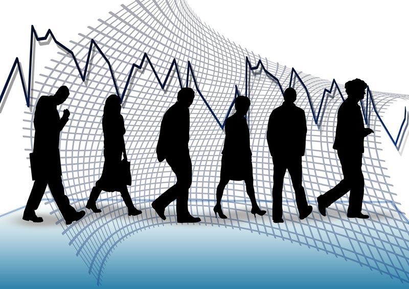 Baja el desempleo en España