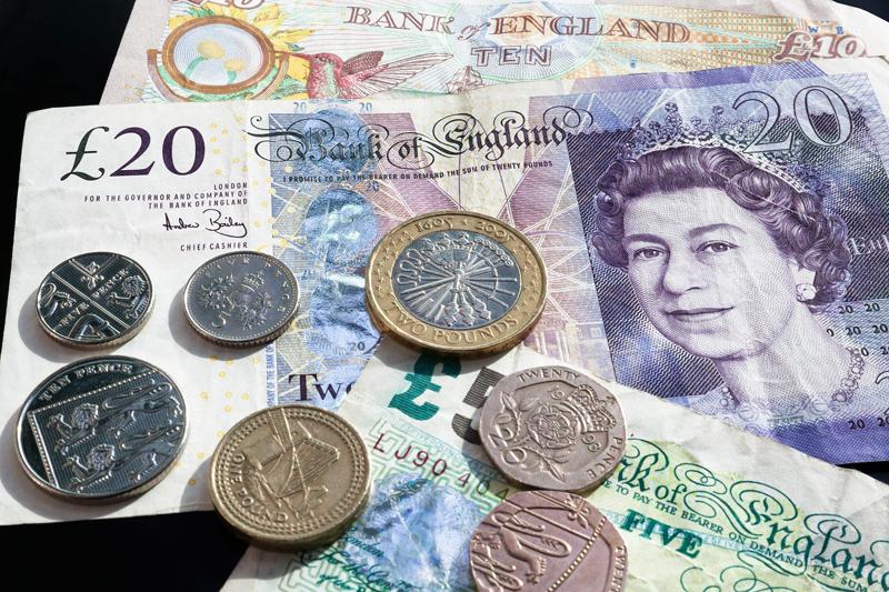 La libra repunta y el Brexit peligra