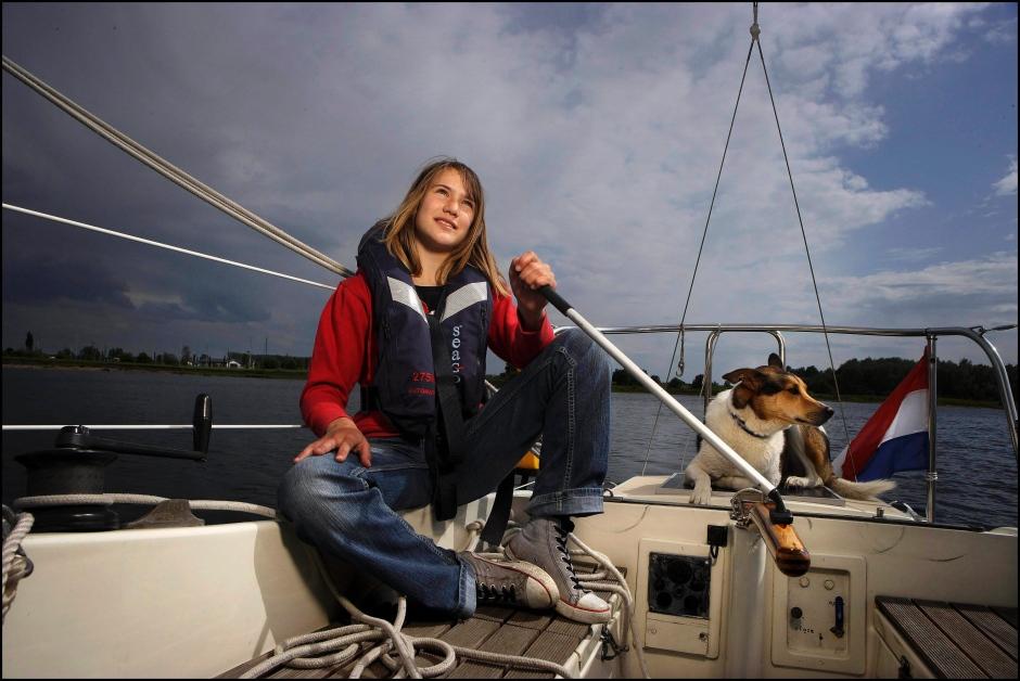 nicht-ganz-allein-laura-dekker-beim-fotoshooting-in-2009