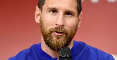 Messi renueva con el Barcelona